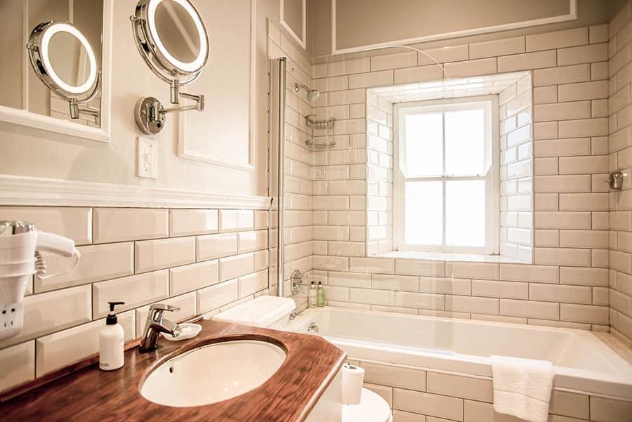 Hotel bathroom and basin