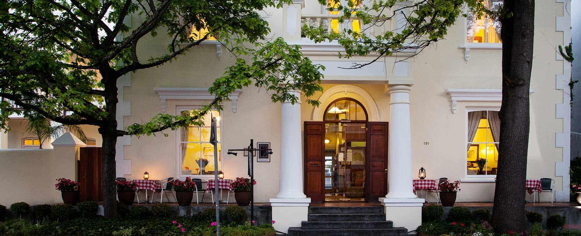 Eendracht hotel front entrance
