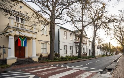 Historical Building Eendracht Hotel Stellenbosch